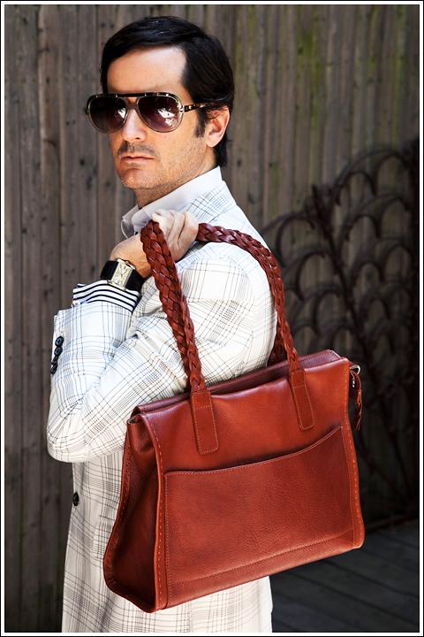 James Andrew with a Hildestahl bag.