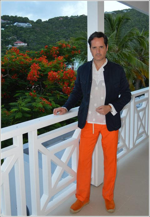 Dressed for dinner – I'm sporting Gucci navy cotton safari jacket, Indian white cotton voile embroidered kurta, vintage orange silk pants, orange suede espadrilles, Hermes Deux Zones Cape Cod watch, and my fragrance Creed Windsor