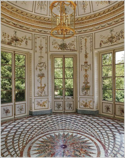 photo by Francis Hammond from the book, Versailles: Private Invitation. Flammarion